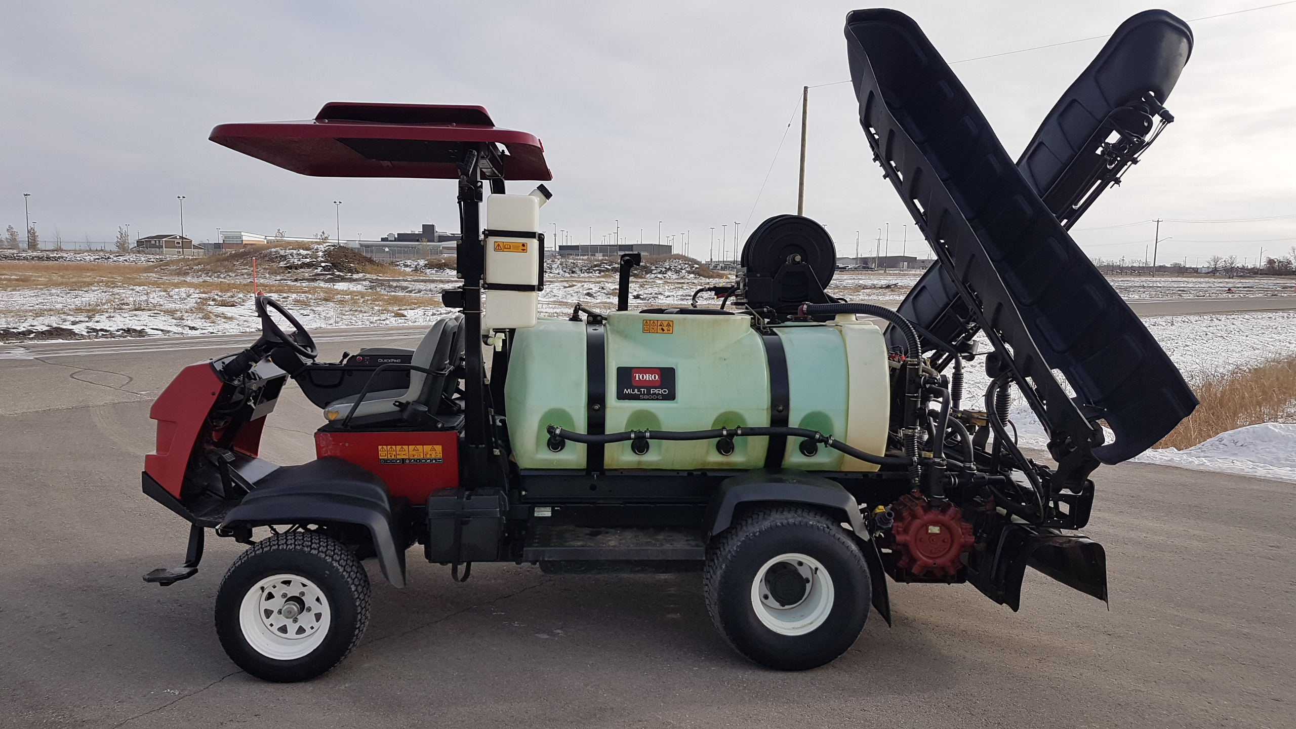 2016 Toro Multipro 5800G 300 Galllon Turf Sprayer